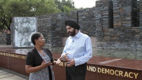 Flickr Photo: Ajay Banga, President and CEO Speaks with South African Social Security Agency Debit MasterCard recipient Hilda Nkantini